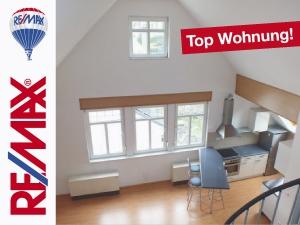 Angebot: Eine Galeriewohnung zum Verlieben – 2,5 Zimmer mit Charme!